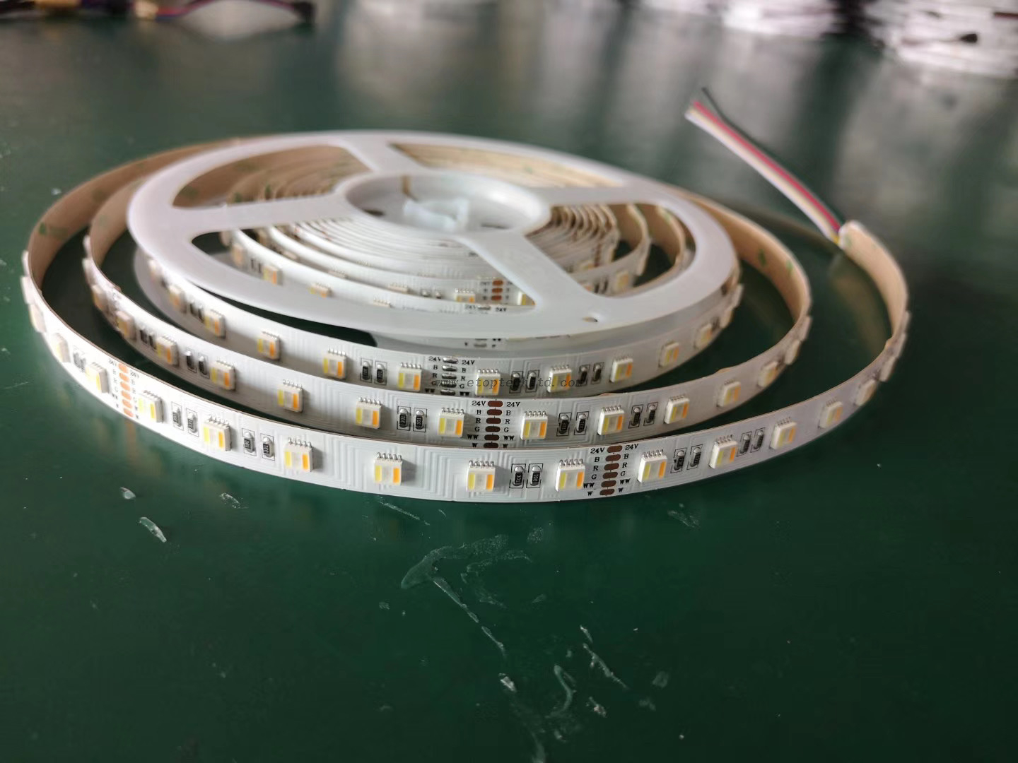 RGBWW 5 in 1 LED Flexible Strips RGBWW LED Strip 5050 60leds/m 5m/roll LED Flexible Rope